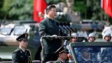 Hszi Csin-ping elnök katonai szemlén