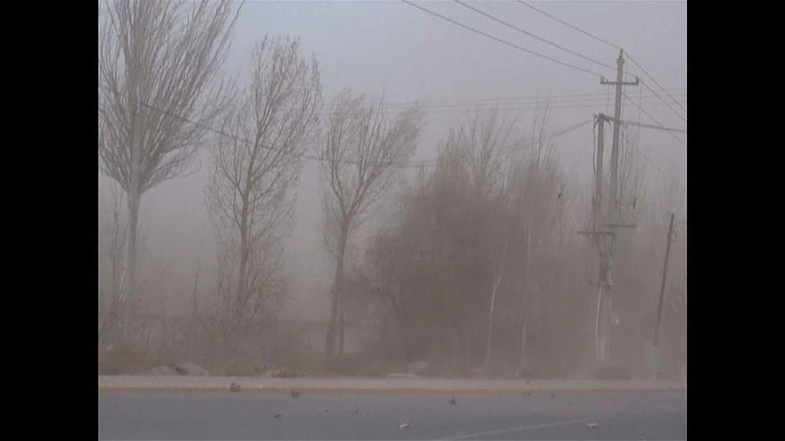 Песчаная буря на северо-западе Китая