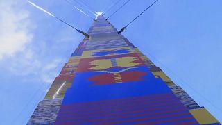 Torre de Legos com 36 metros construída em Tel Aviv