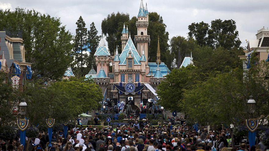 Έσβησαν τα φώτα της Disneyland