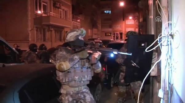 Bursa ve Gaziantep'te IŞİD'e şafak operasyonu