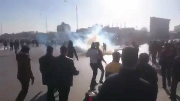 شاهد: احتجاجات في إيران بسبب إرتفاع الأسعار