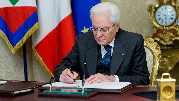 Президент Италии распустил парламент страны