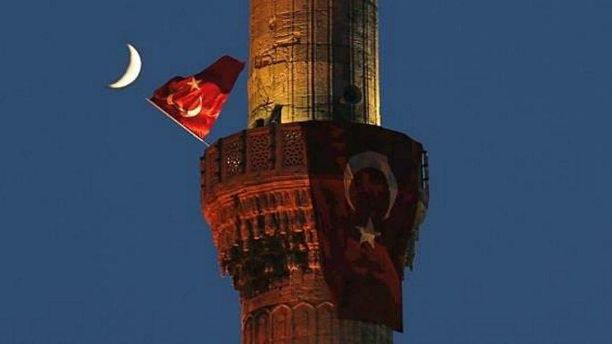 """جدل في تركيا بعد إجازة تطليق الزوجة بسبب كلمتي """"أمي"""" و""""أختي"""""""
