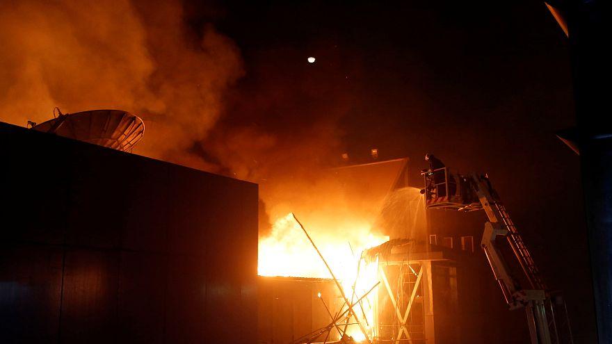 Mumbai, fiamme durante festa compleanno: 15 morti