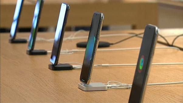 Rallentamento iPhone, Apple si scusa