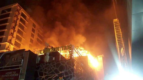 Fogo propagou-se rápido e fez mais de uma dezena de vítimas