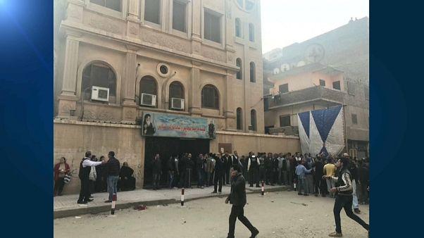 Al menos diez muertos en un ataque contra una iglesia copta al sur de El Cairo