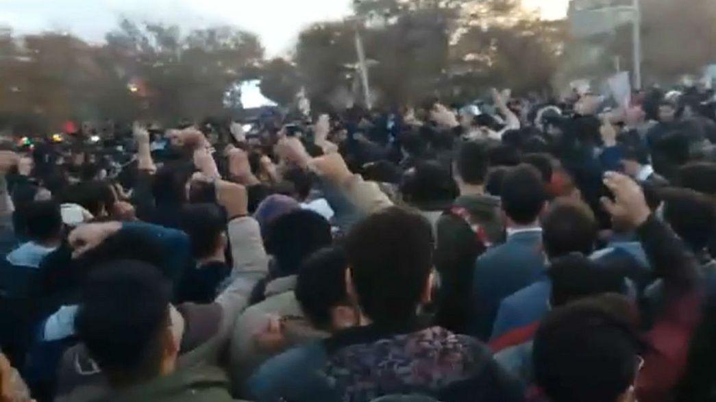 اعتراضات در شهرهای ایران: بازداشتها و واکنشها