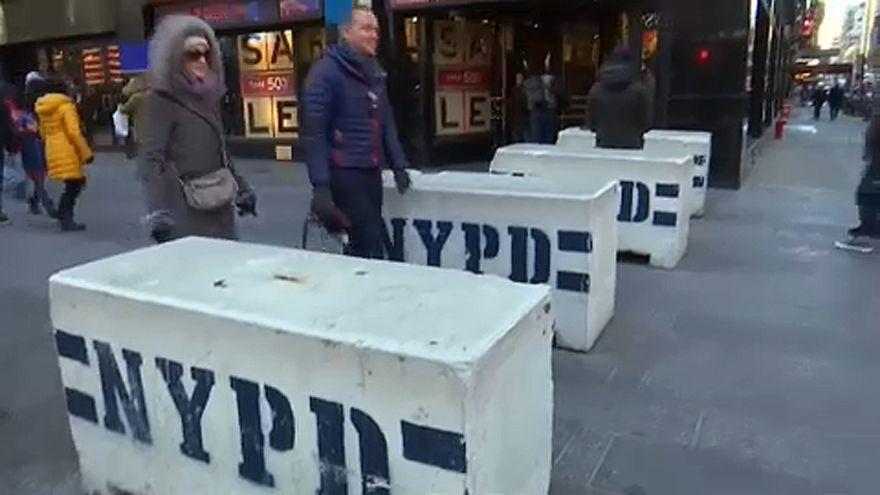 Rendőrkutyákkal, mesterlövészekkel és speciális kiképzéssel készülnek a szilveszterre New Yorkban