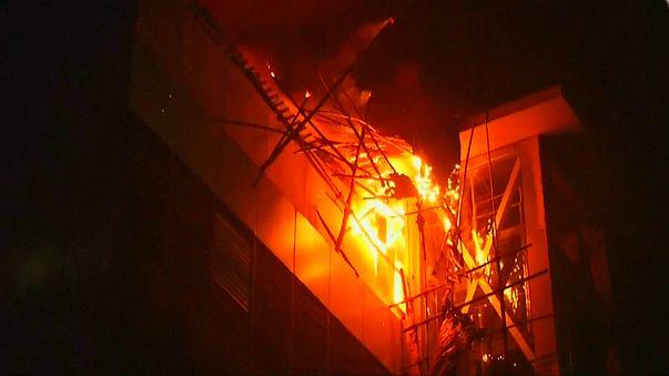 В Мумбаи сгорел торговый центр