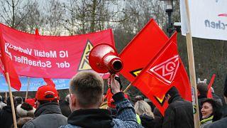 Alman sendikası haftada '28 saat çalışma hakkı' için kampanya başlatıyor