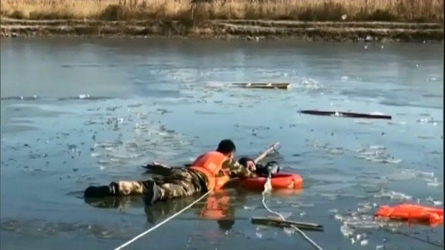 Salvamento complicado na China