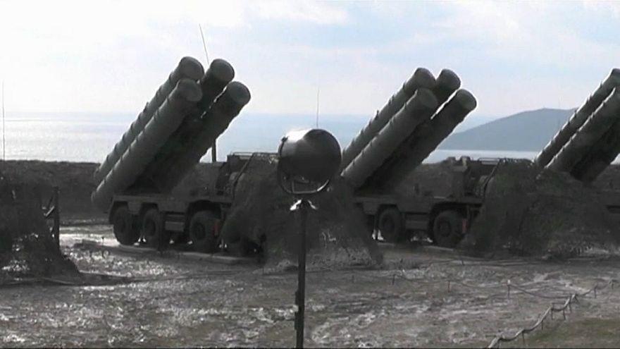 Turchia-Russia: siglato l'accordo per l'acquisto di S-400