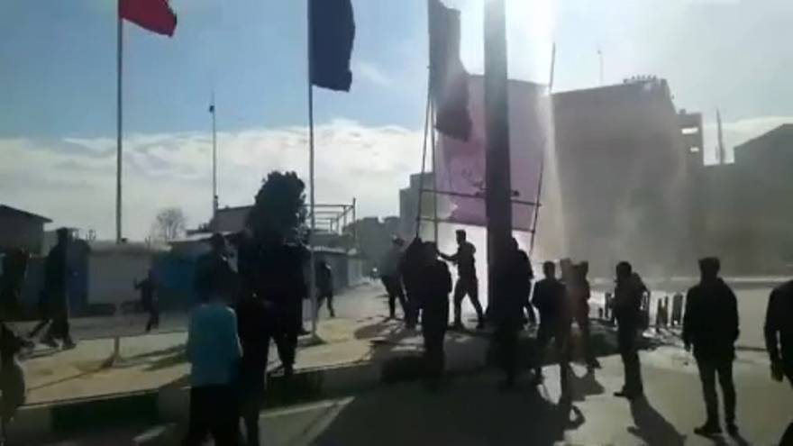Iran in strada contro corruzione e crisi