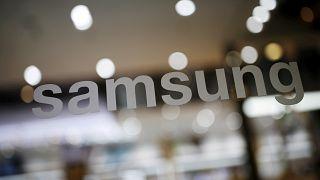 سامسونغ وLG توضحان موقفيهما بشأن تعمد إبطاء أداء الهواتف القديمة