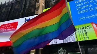 الجيش الأميركي يبدأ باستيعاب المتحولين جنسيا في مستهل 2018