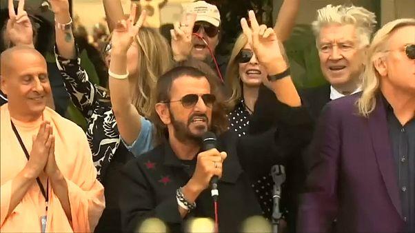 Jetzt auch Ritter: Ringo Starr (77) und Barry Gibb (71)