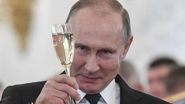 ولادیمیر پوتین در پیام سال نو خواهان همکاری عملگرایانه با آمریکا شد