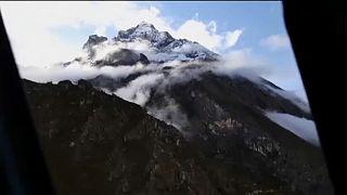 Le Népal interdit l'ascension de ses sommets en solitaire