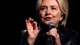 Hillary Clinton : l'affaire des emails confidentiels continue