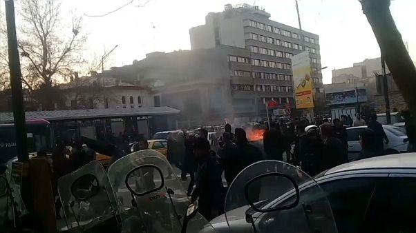 Иран: протестное движение набирает обороты