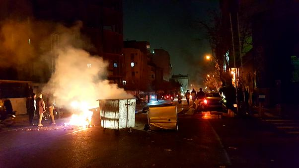 İran'dan göstericilere uyarı, ABD'ye sert tepki