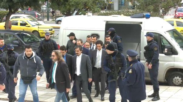 Yunanistan'a kaçan askerlerden birinin sığınma talebi kabul edildi
