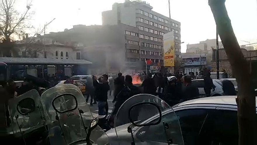 Irán: folytatódó zavargások