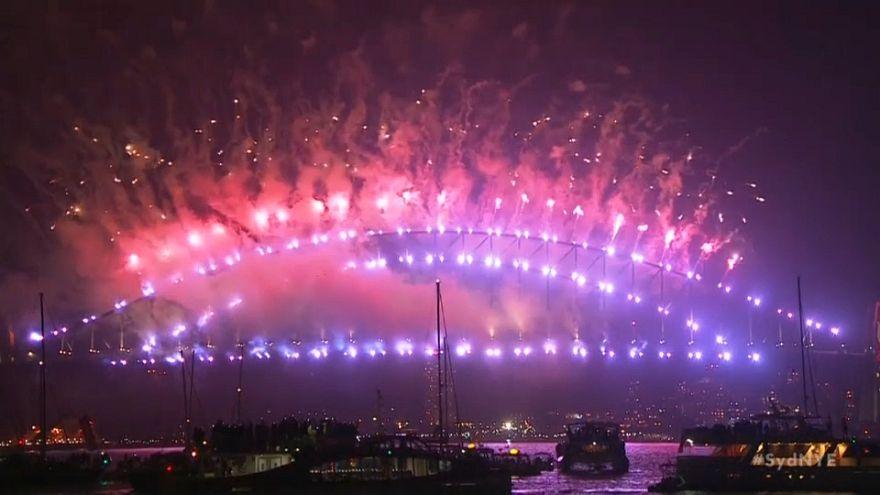 Fuegos artificiales en Sídney para comenzar el año