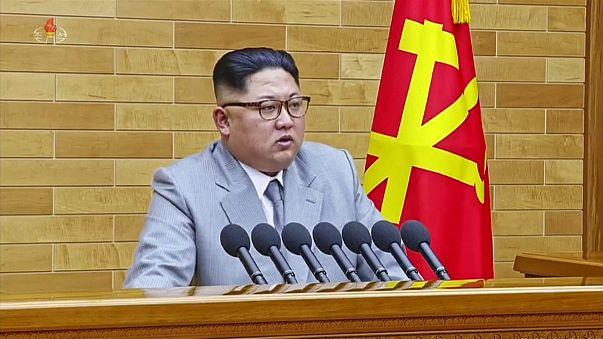 """Kim Jong-un: """"Tengo el botón nuclear en mi escritorio"""""""