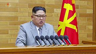 """Ким Чен Ын: """"Ядерная кнопка - на моем столе!"""""""