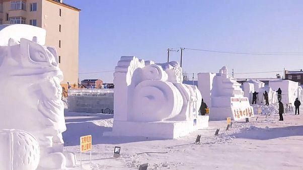Çin'de kardan heykel yarışması