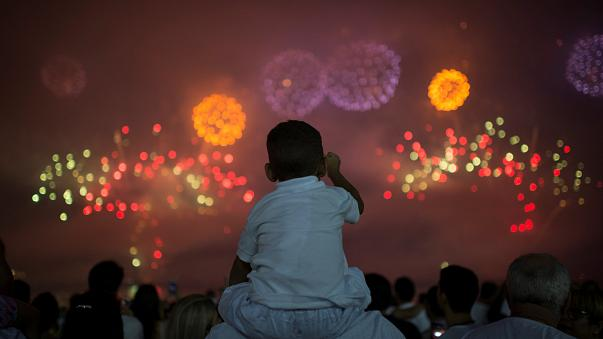 Godetevi i fuochi d'artificio di tutto il mondo per il 2018