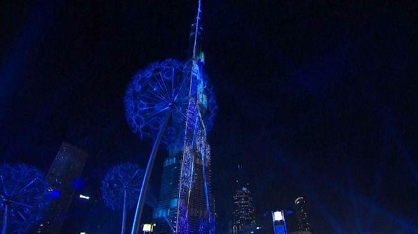 Dubai festeja Ano Novo com show de laser