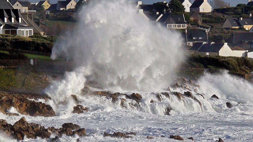 La tempête Carmen fait une première victime en France