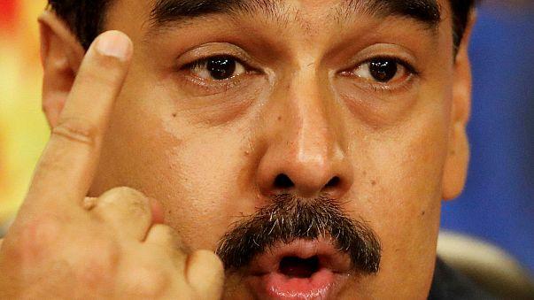 Venezuela: Maduro aumenta gli stipendi (che rimangono bassi)