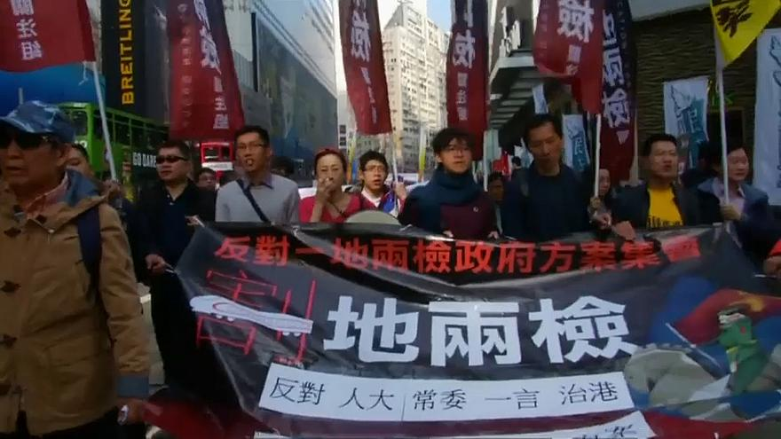 Ano Novo arranca com protestos nas ruas de Hong Kong