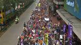 Hong Kong yeni yıla gösterilerle uyandı