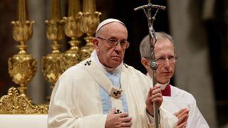 Папа Франциск призвал помогать мигрантам и беженцам