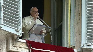 El papa Francisco pide que se garantice la paz de los inmigrantes y refugiados