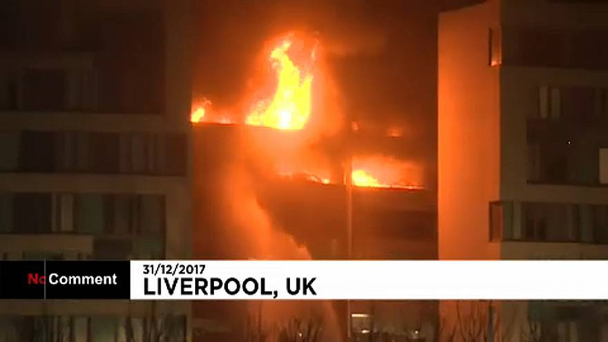 Impressionnant incendie à Liverpool