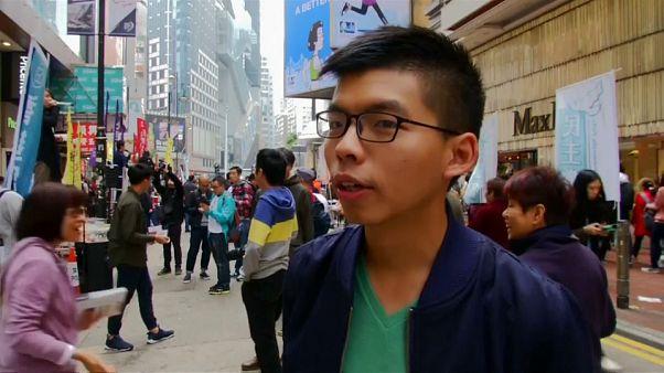 Hong Kong: in migliaia contro il governo di Beijing