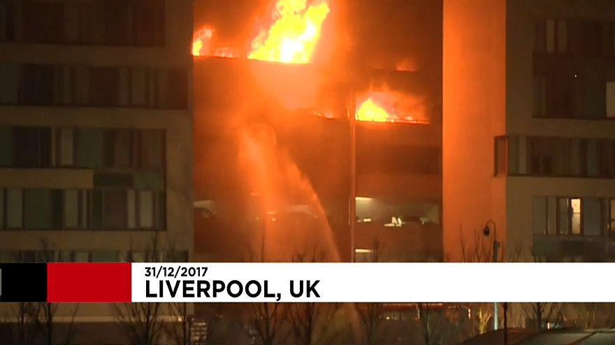 Így égett a liverpool-i parkolóház