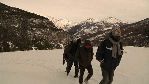 Les migrants face aux Alpes : sur la route du col de l'Echelle