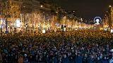 Fransa'da yılbaşı gecesi bin araç ateşe verildi
