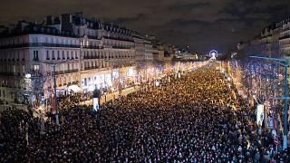 إعتداء على الشرطة وإحراق سيارات في احتفالات رأس السنة بفرنسا