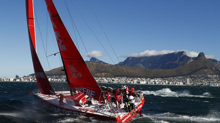Πλώρη για το Χονγκ Κονγκ για τα πληρώματα του Volvo Ocean Race