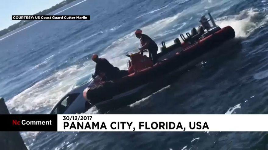 Florida: Guardia Costiera salva anziano finito in mare con la macchina
