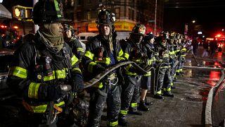 Fogo em edifício volta a assustar o Bronx